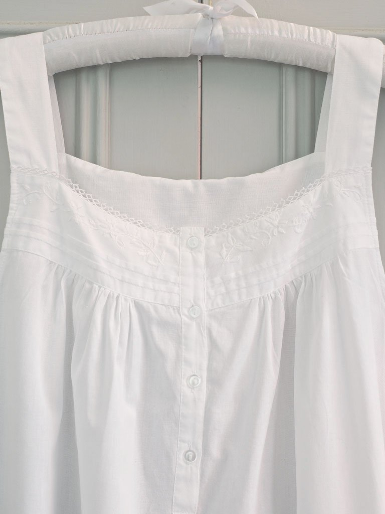 Women S Sleeveless Daisy Chain Cotton Nightdress Lunn